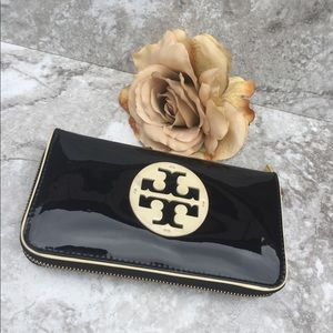 Tory Burch Black Stacked Patent Zip Wallet